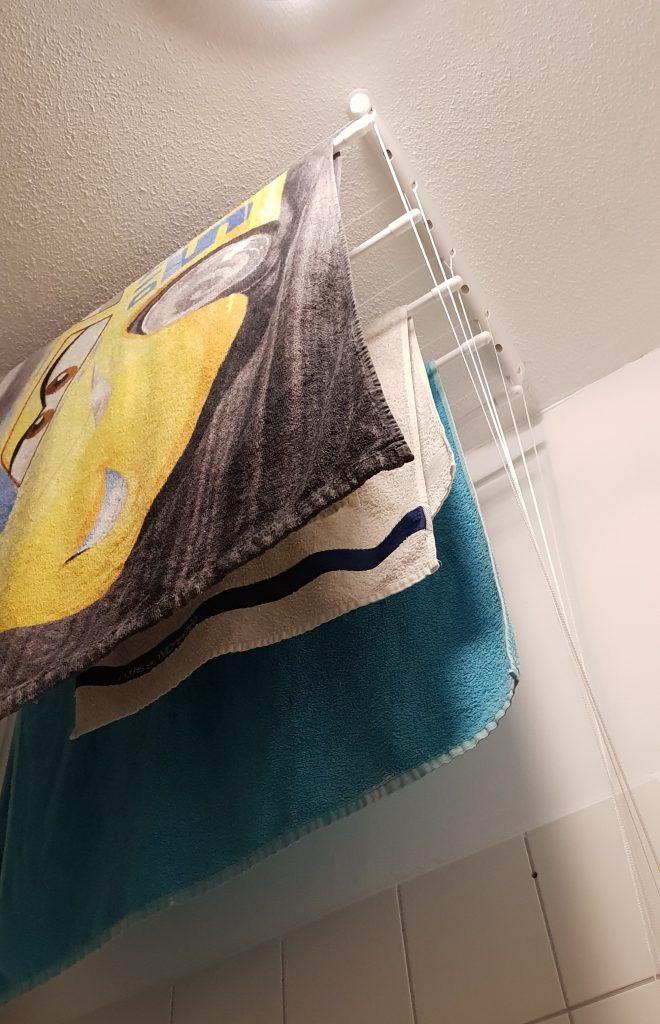 handdoeken-badkamer-plafonddroogrek