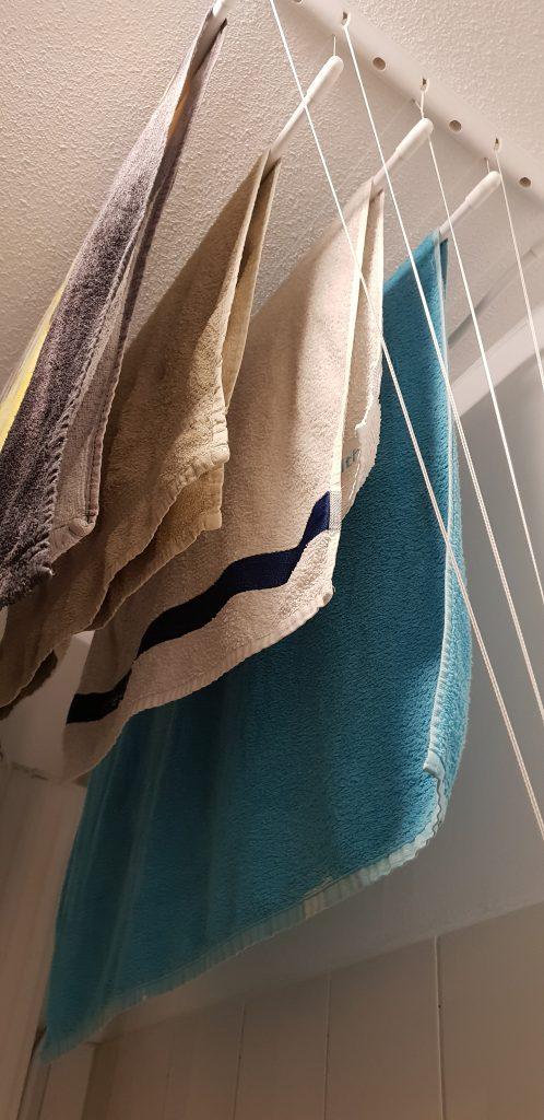 handdoeken-zijkant-plafonddroogrek