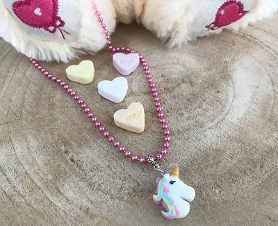 roze-unicorn-ketting-fashionandbeads.nl