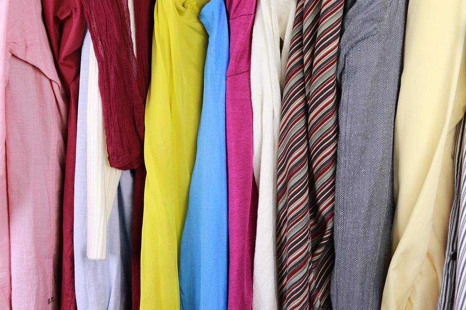 kast vol kleding_plafonddroogrek.nl